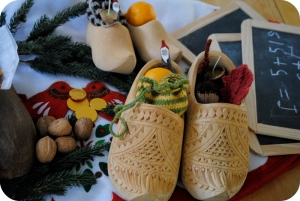 Wooden Shoes with Goodies via Gardenmama.typepad.com. Check out the full photo by clicking picture.