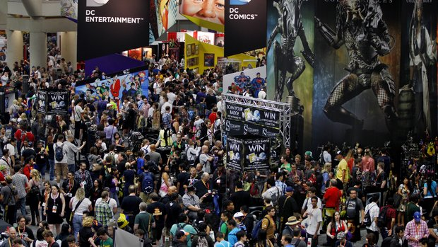 comic con crowd